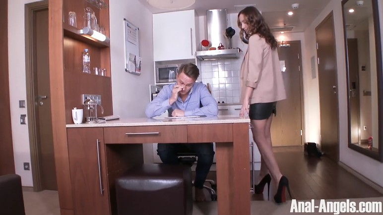 Sexy tutor gets fucked in the ass